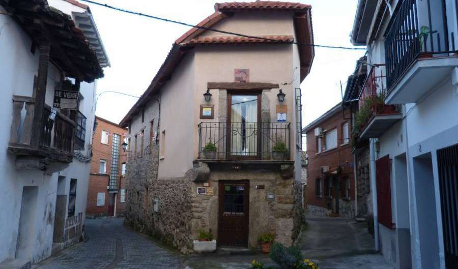 famous holiday locations and destinations with hotels in Avila, Spain