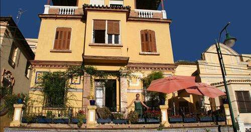 Make cheap reservations at a hotel like Villa Alicia Guest House